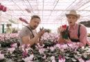 """Transleiteris un Māris Grigalis priecē dāmas ar """"Mūžīgo liesmu"""" (VIDEO)"""