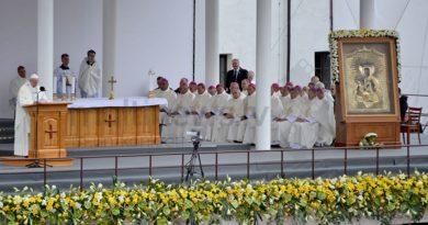 Pāvests Francisks Aglonā (FOTO)