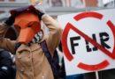 Gājienā par dzīvniekiem pieprasa zvēraudzēšanas aizliegumu Latvijā