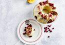 Svētku galda receptes: neierastā avokado kūka un kēkss Latvijas karoga krāsās