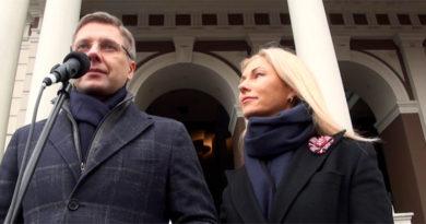 """Nils Ušakovs: """"Es mīlu Latviju"""""""