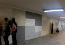 Par tuneļa sienas apķēpāšanu aizturēti trīs jaunieši