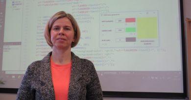 Pedagoģe: Programmēšana kļūst par vienu no mūsdienu pamatprasmēm