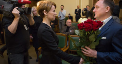 Saeima par Latvijas Bankas prezidentu apstiprina Mārtiņu Kazāku