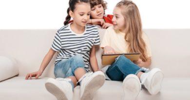 Bērns redzējis biedējošu saturu internetā – kā rīkoties?
