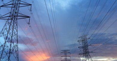 Elektroenerģijas cenas galvenokārt noteiks laikapstākļi un COVID-19 turpmāka attīstība
