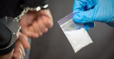 Valsts policija konstatē neatļautu psihotropo vielu realizāciju lielos apmēros personu grupā